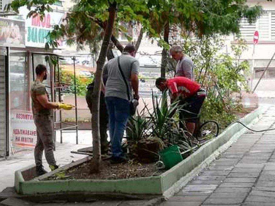 ШОК! С фекална помпа извадиха още човешки останки от градинката пред дома на готвача-касапин Дичев в Бургас (ВИДЕО)