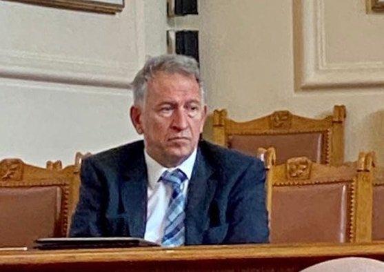 Кацаров плаши ултрасите: Без публика на стадиона, ако не се спазват мерките