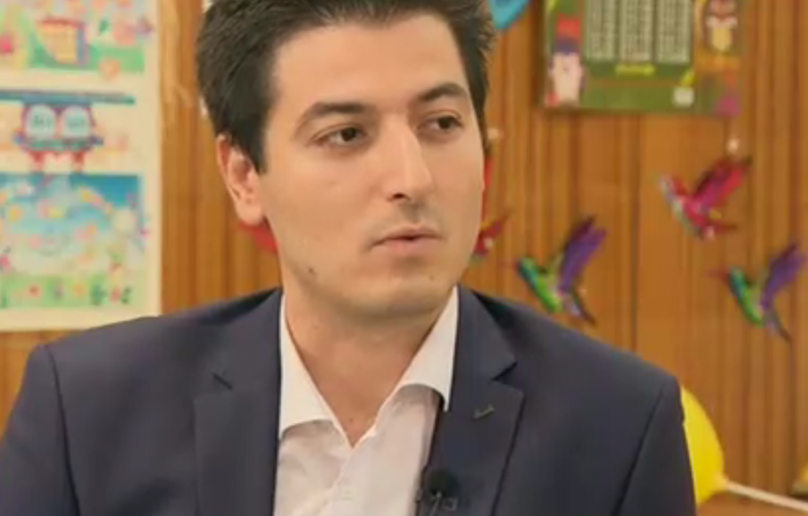 28-годишен преподавател е най-младият директор на училище в София