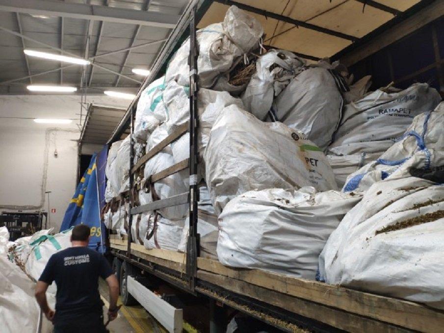 Задържаха 4580 кг индустриален коноп (СНИМКИ)