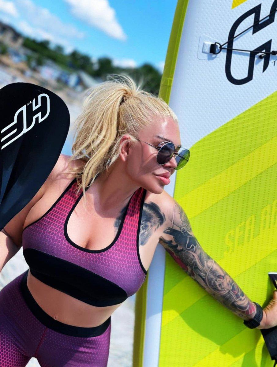 Ваня Червенкова татуира над гърдите си най-скъпото си същество (СНИМКА)
