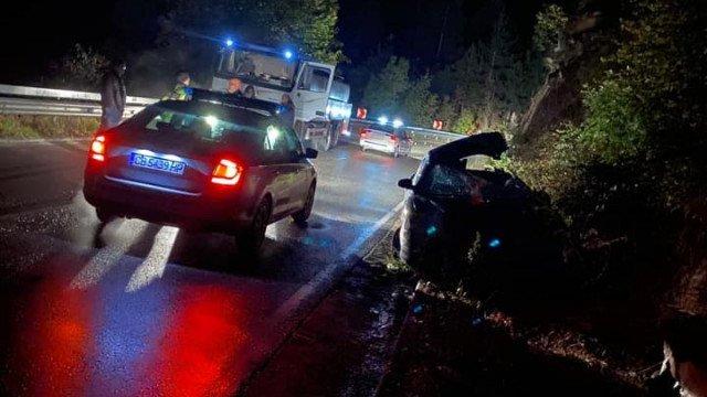 Шофьор с опасност за живота след вечерното меле до Бачково