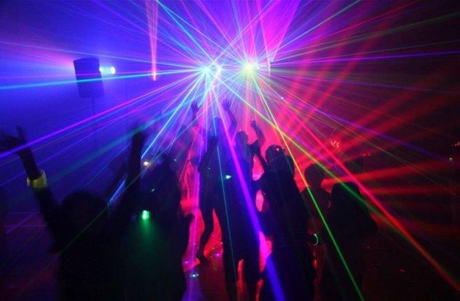 Нощните заведения и дискотеки в Пловдив бяха претъпкани като за