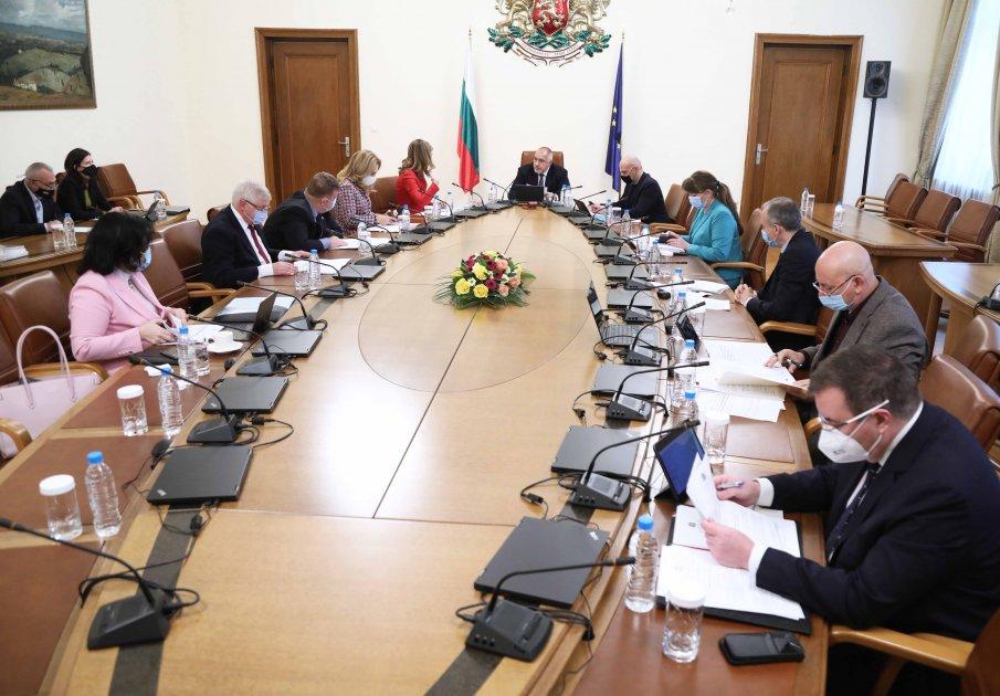 ИЗВЪНРЕДНО В ПИК TV: Борисов увери, че инвестициите в образованието продължават въпреки пандемията (ВИДЕО)
