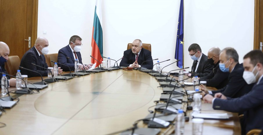 ПЪРВО В ПИК TV: Бойко Борисов и кабинетът с важно решение за учениците от 5 до 12 клас (ВИДЕО)