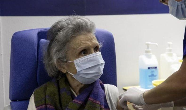 Стартира масовата ваксинация срещу коронавируса в Гърция
