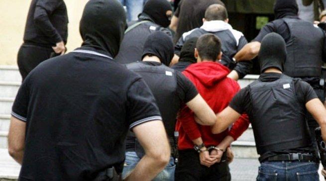 Гръцката полиция разби мрежа за трафик на мигранти