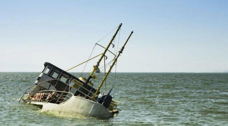 Групово селфи преобърна кораб, има загинали