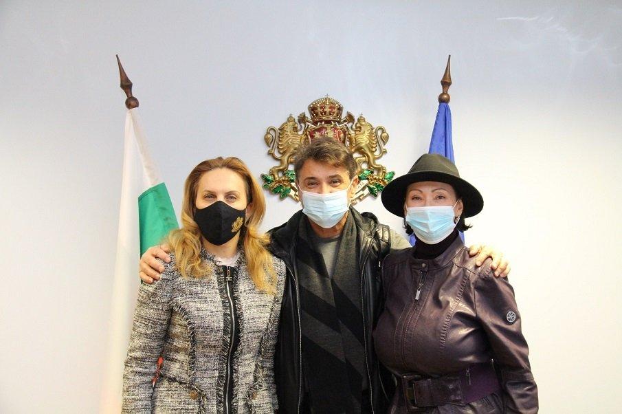 """Марияна Николова засипа със суперлативи дует """"Ритон"""" – Катя и Здравко обещаха съдействие и подкрепа на родния туризъм"""