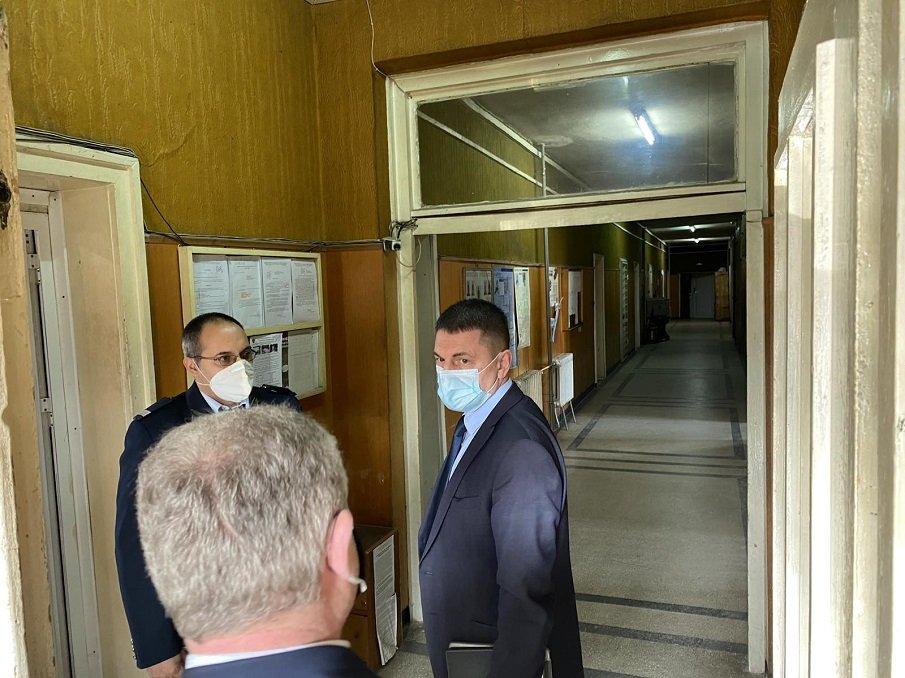 Терзийски към служители на МВР в Ловешко: Пандемията от COVID-19 прибави допълнителни отговорности, с които се справяме (СНИМКИ)