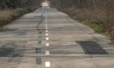 Пътна маркировка между две села криволичи 10 км