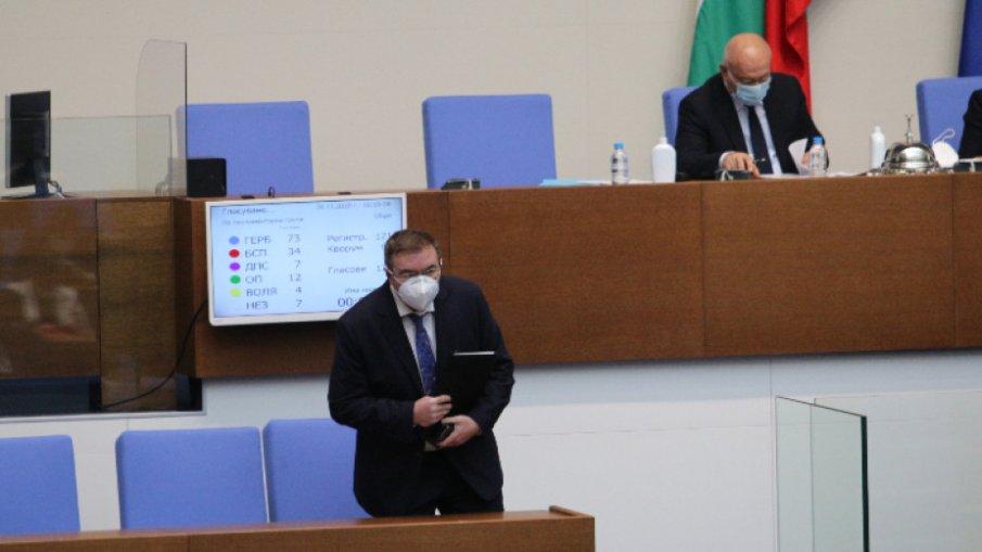 ИЗВЪНРЕДНО В ПИК TV: Здравният министър Костадин Ангелов обеща 2 милиона ваксинирани до края на годината