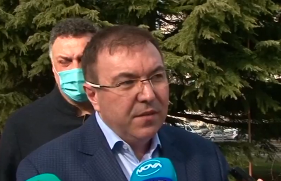 ИЗВЪНРЕДНО! Министър Ангелов: Не се поддавам на натиск, постепенно разхлабваме мерките