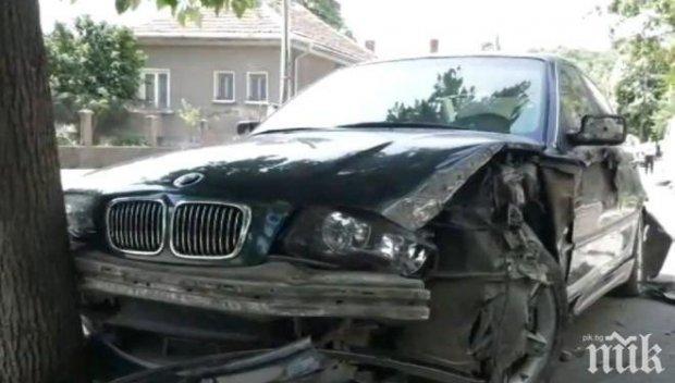 Дрогиран с кока италианец заби БМВ-то си в дърво
