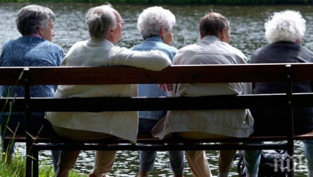 За дискотеки и барове – пари от държавата, а за пенсионерите – швейцарското правило?! Откъде накъде