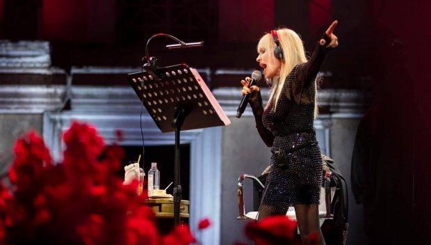 ЗАРАДИ COVID-МЕРКИТЕ: И в Бургас недоволство от концерта-фурор на Лили Иванова