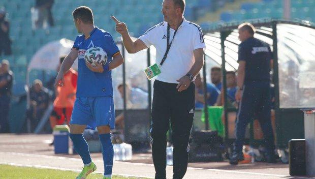 Стойчо Младенов захапа сините след победата