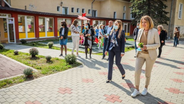Фандъкова: Близо 2 млн. лева са инвестирани в детската градина във Владая