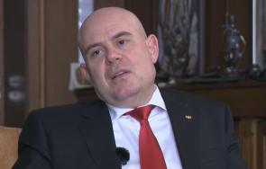 ексклузивно пик иван гешев силен коментар шпионския скандал грозно българи продават собствената страна стотинки