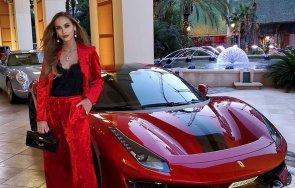 Лолита с Ферари