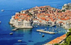 хърватия стартира масова ваксинация коронавирус служителите туристическия сектор