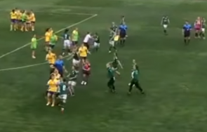 Футболен трилър и масово меле на женски мач в България (ВИДЕО)