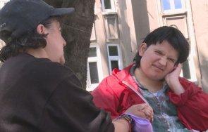 човечност стотици добри хора осигуриха подслон майка болната дъщеря