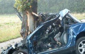 кърваво меле кола разби дърво пътя русе силистра загинаха момче момиче