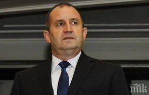 доц антоний гълъбов пик ретро българия движи полупрезидентски режим управление