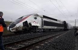 пътнически влак берлин дерайлира души ранени