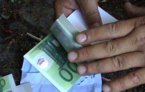 закопчаха двама чужденци опитали подкупят пътен полицай евро