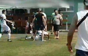 бой мач нас оперират нокаутиран футболист видео