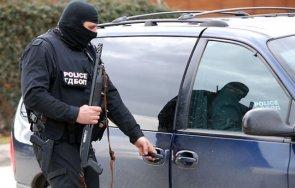 полицията издирва маскиран стрелец екшъна защитения свидетел делото килърите