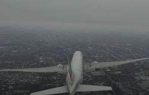 самолет върна пекин заради дим пътническия салон видео