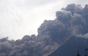 вулкан изригна гватемала дъжд пепел изсипа села видео