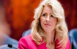 нидерландски министър уволнен заради критики ваксинационните паспорти