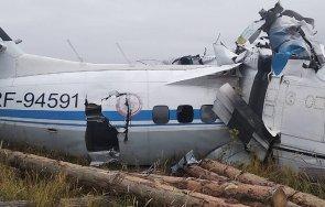 претоварване вероятната причина самолетната катастрофа русия седем души оцелели
