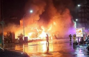 огнен етажна сграда тайван десетки жертви ранени видео