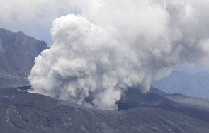зрелищно изригна един големите вулкани япония видео