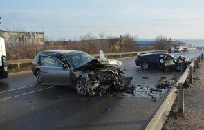 последните минути две коли помляха пътя харманли ранени