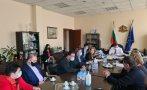 Вицепремиерът Марияна Николова: Заведенията отварят от 1 март при 50% заетост