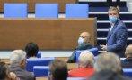 Парламентът отсвири предложението на БСП за доставка на руската ваксина