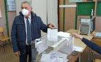 Валери Симеонов гласува с хартиена бюлетина в Бургас: Няма софтуер, който може да бъде манипулиран. Нито пък има софтуерни специалисти от Венецуела
