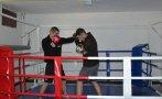 НОВА ПРИДОБИВКА: Монтираха ринг за бойни изкуства в Националния военен университет