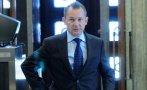 ИЗВЪНРЕДНО И САМО В ПИК: Грозен екшън с бившия шеф на ДАНС Димитър Георгиев! Полиция го държи седем часа на пътя през нощта над Симитли. Заключват го за