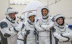 първите космически туристи spacex върнаха земята видео