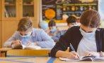 Учениците от 5, 9 и 12 клас се връщат в класните стаи